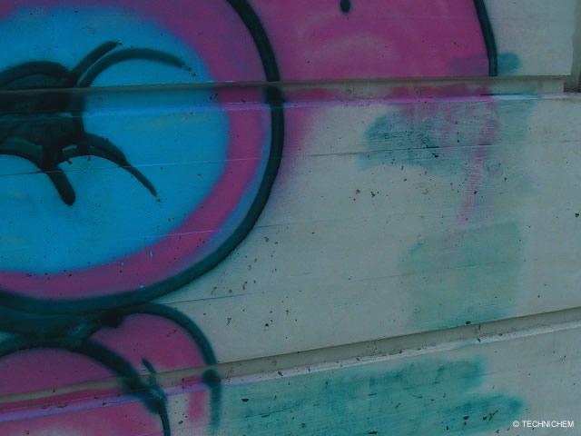 produit professionnel l 39 limination des graffitis peintures et vernis prix. Black Bedroom Furniture Sets. Home Design Ideas