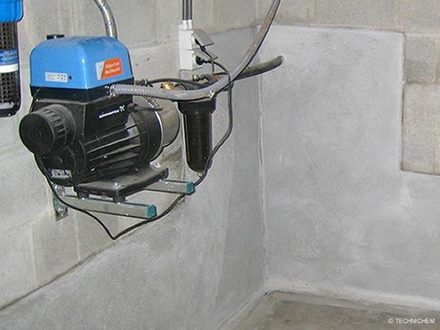 enduit tanche base ciment pour murs enterr s pr t l 39 emploi. Black Bedroom Furniture Sets. Home Design Ideas